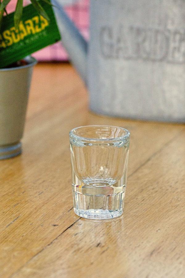 Šotiņš jeb degvīna glāze