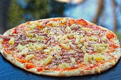 ''Hawaii'' /šķiņķis, ananāss, oregano, siers, tomātu mērce/ 1150 kcal
